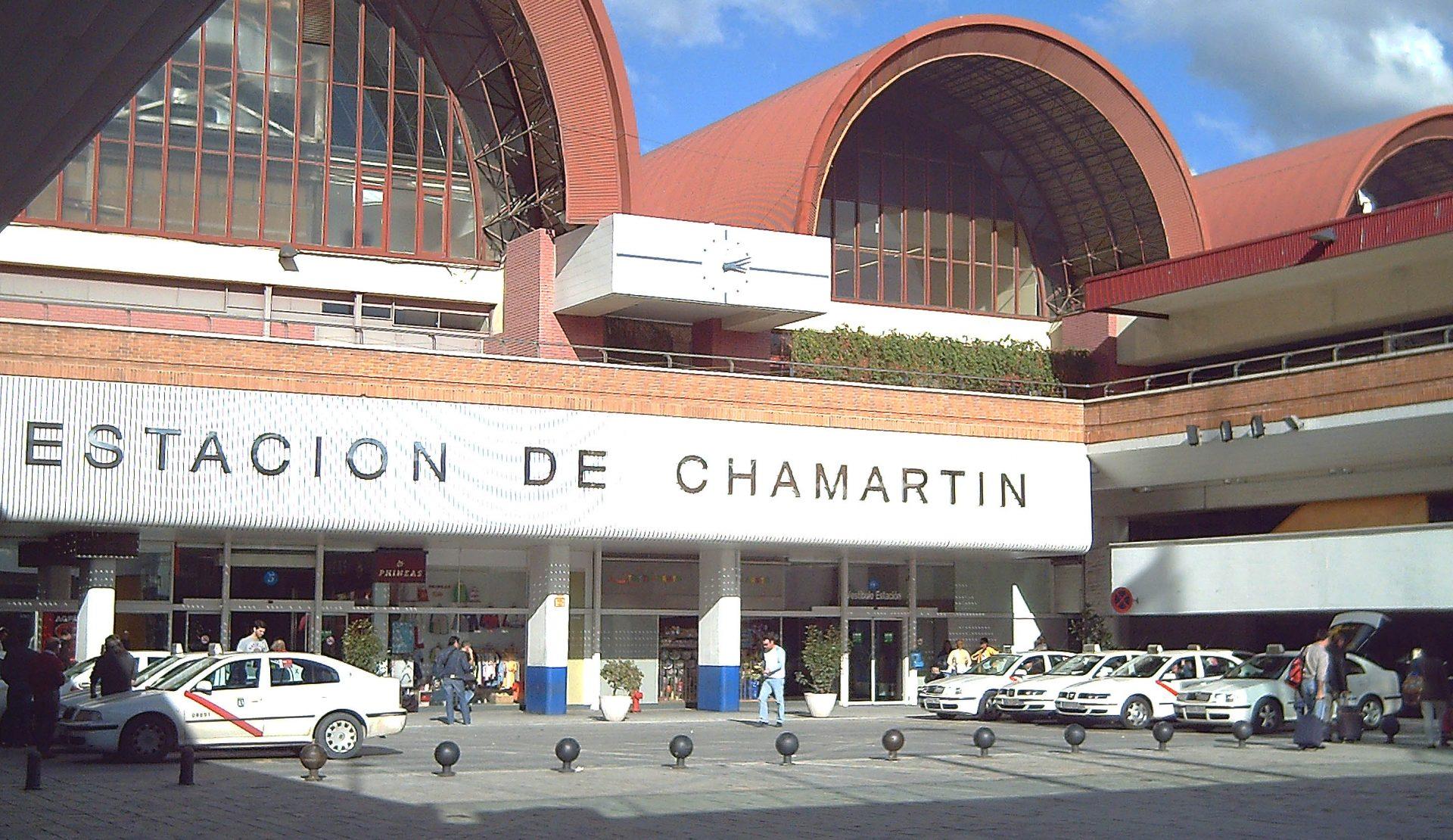 llegar a la estación de madrid chamartín en taxi